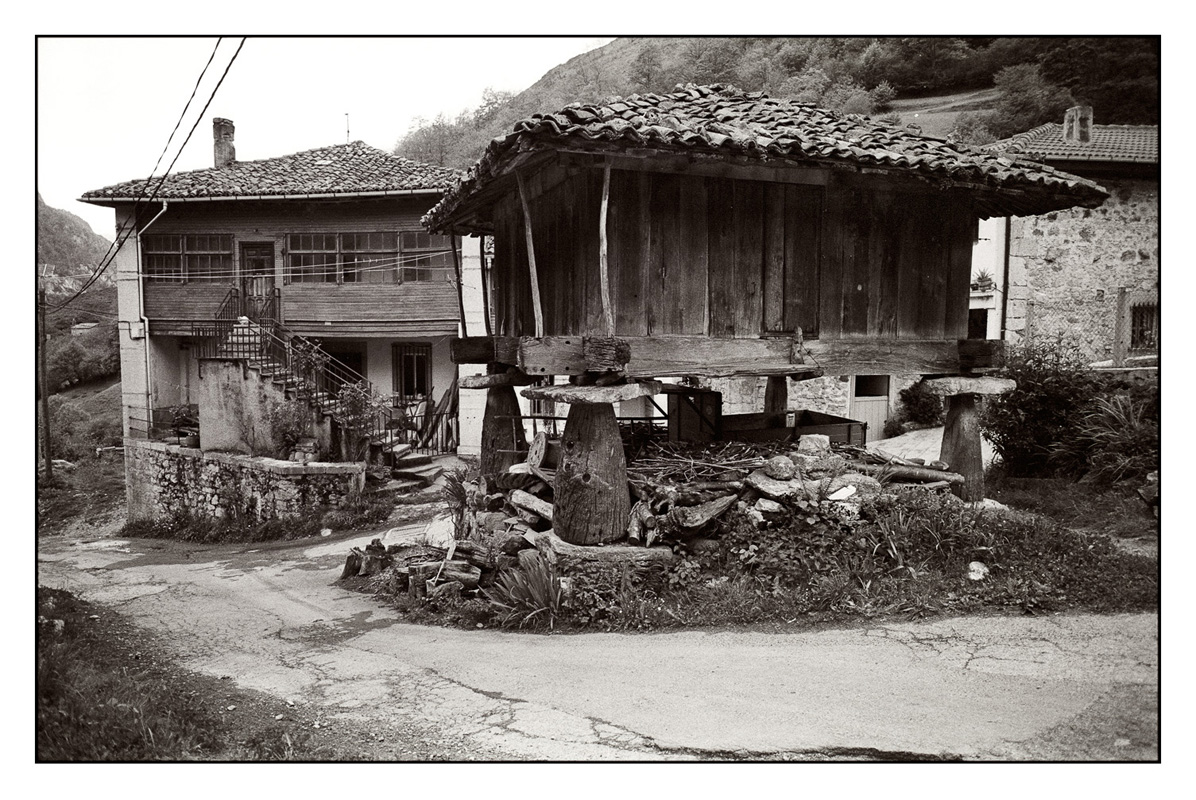Village in the Picos de Europa before the motorway was built along the Cantabrian coast, 1995
